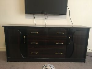 Dresser in great condition . Selling price $200. Alliston
