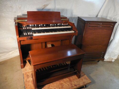 c3 Hammond Organ, Bench, Pedalboard, & 122 Leslie Speaker, with No Issues B3