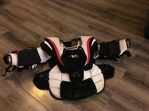 Vaughn LT60 Goalie Chest Protector Excellent Condition