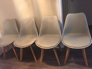 Beautiful light grey dining chairs x4