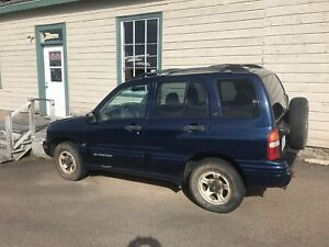 2003 Chev Tracker 4x4 v6 plus 2 other trackers