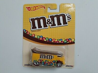 Hot Wheels Pop Culture M&M's Volkswagen Drag Bus Real Riders