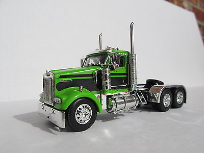 DCP 1//64 Scale W-900 Kenworth Flat Top Black//Lime Green Tractor Only