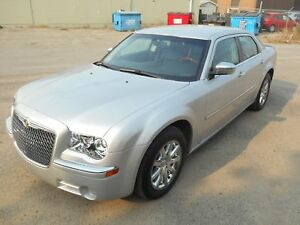 2010 Chrysler 300 Limited Limited*Low KM