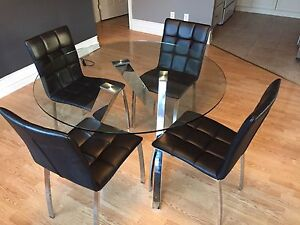 Table et chaises / table and chairs