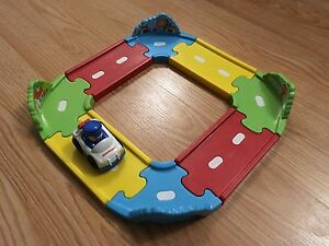 Puzzle track and car