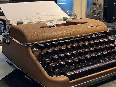 Olympia Portable Typewriter SM4 1959