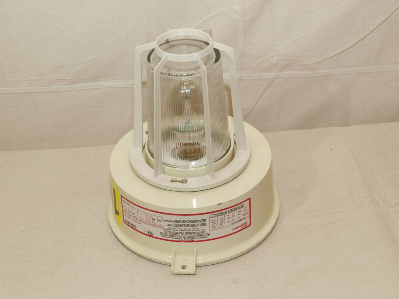 Thomas & Betts DS010H040-TGL-P2E Hazlux MOGUL BASE HPS LAMP; 100 W - NEW