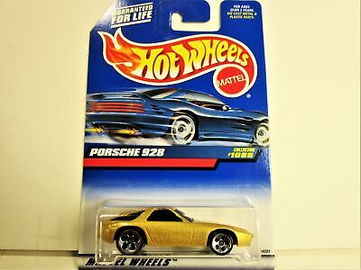 HOT WHEELS 1999 PORSCHE 928 WITH 1978 DATE ON STEEL BOTTOM NEW IN PACKAGE