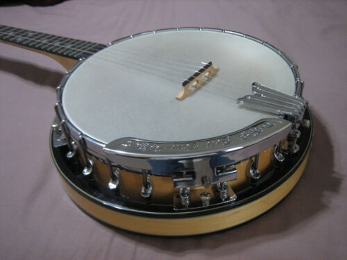 Gold Tone MC150-R banjo with case