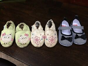 Robeez Baby shoes $2