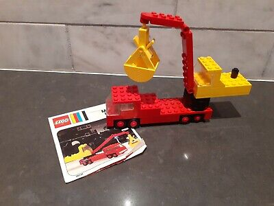 Vintage LEGO 490 MOBILE CRANE from 1974 COMPLETE with partial instructions