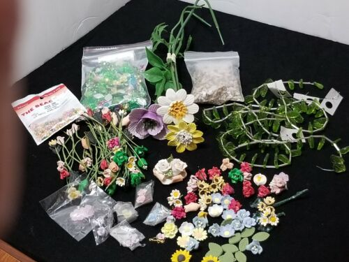 LOT OF VINTAGE ASSORTED ROSES / FLOWERS SOME HANDMADE FOR CRAFTS OR DECOR