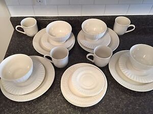 Set of 4 place settings dishes