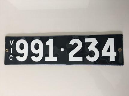 Heritage Number Plates Style Enamel 991.234