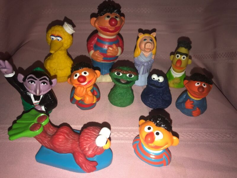 11 Vintage Sesame Street Muppets Toys 7 Finger Puppets 2 Squeeze Toys +
