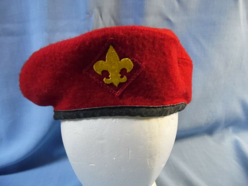 VINTAGE BOY SCOUTS of AMERICA RED 100% WOOL OFFICIAL BERET SIZE 7 1/8- 71/4!