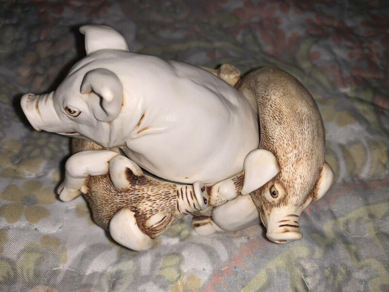 Harmony Kingdom Pen Pals Pigs UK Made Box Figurine