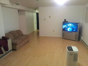 1 bedroom flat avaliable feb 1st...possible early moveins