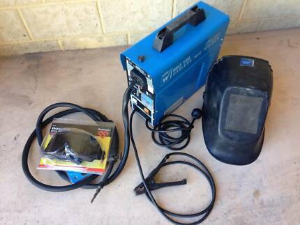 Weldcorp 100 AMP Gasless MIG Welder - USED Victoria Park Victoria Park Area Preview