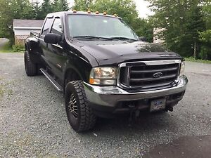2004 Ford lariat 4x4 dually