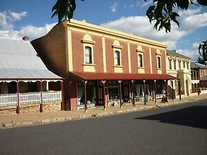 Iconic Building in Historic Central Tablelands Tourist Town