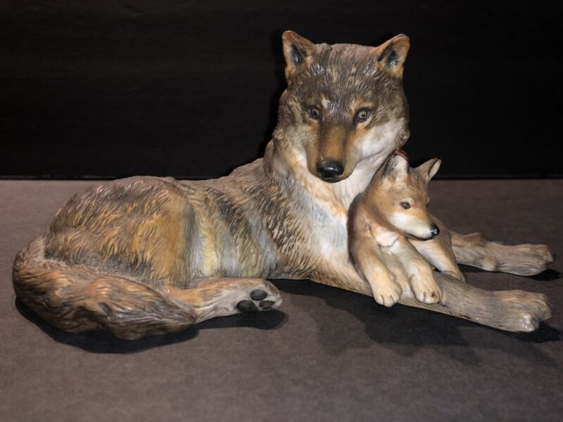Nicholas Wilson Woodland Repose Wolf & Cub Figurine Issued By National Wildlife