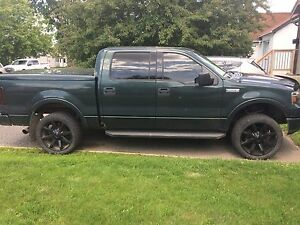 2004 Ford Super Crew F-150 Lariat edition