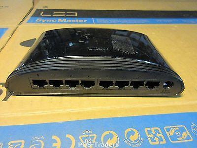 D-Link DES-1008D Switch EES1008DE 8x RJ-45 Fast Ethernet 100Base-TX - INCL PSU