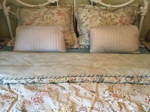 New 6 Piece Queen Size Comforter Set