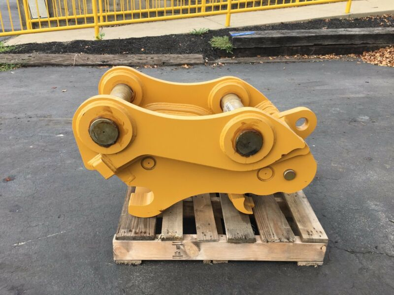 New Hydraulic Quick Coupler For Caterpillar 320 B-linkage