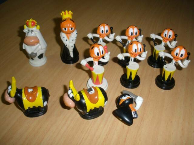 10 Vintage Chupa Chops Chess Characters Collectables