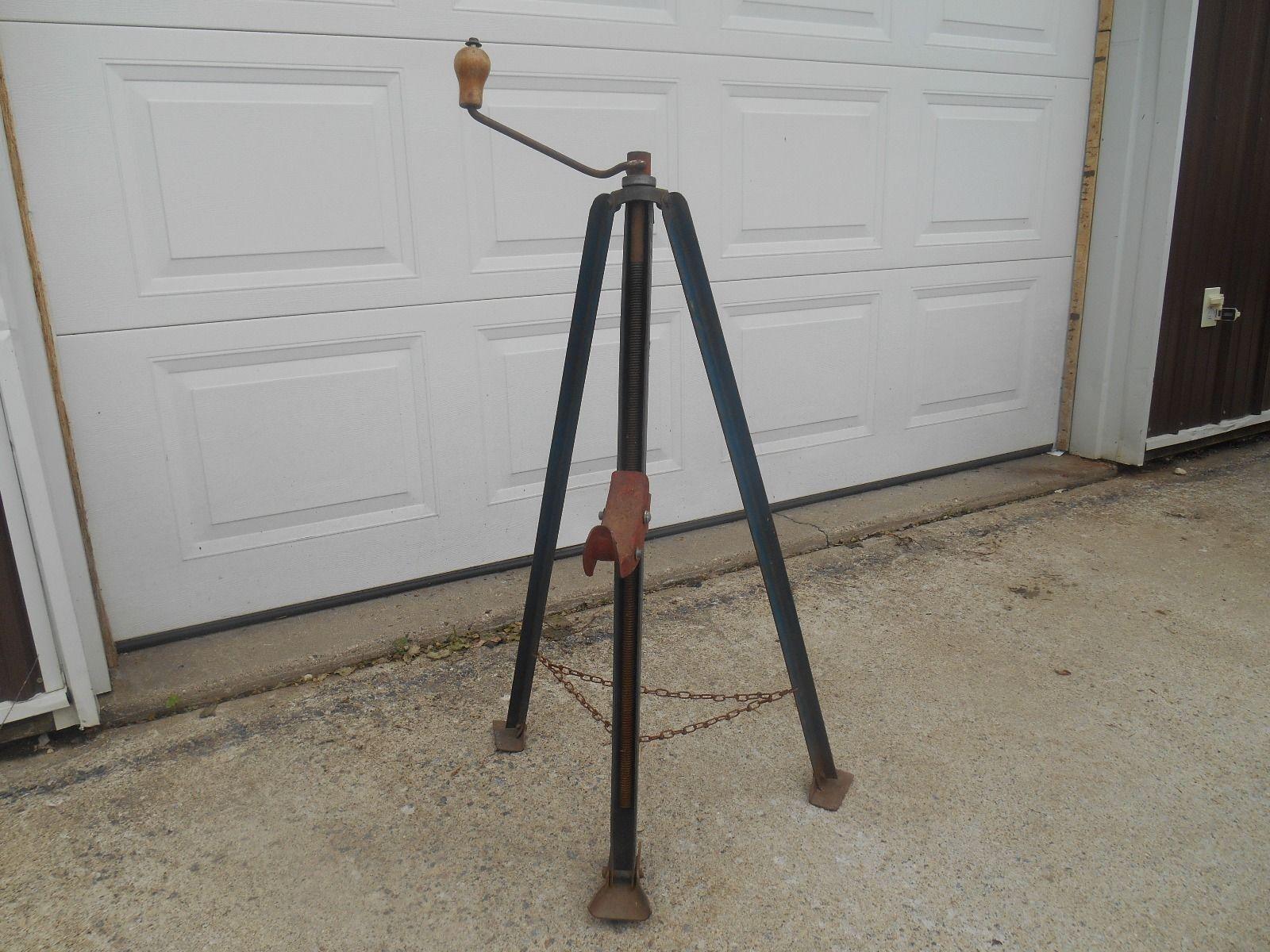 Tripod Crane Hoist : How to build a tripod hoist