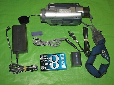 Sony Handycam DCR-TRV330 Digital8 Camcorder - Record Transfer Play Hi8 Video 8MM