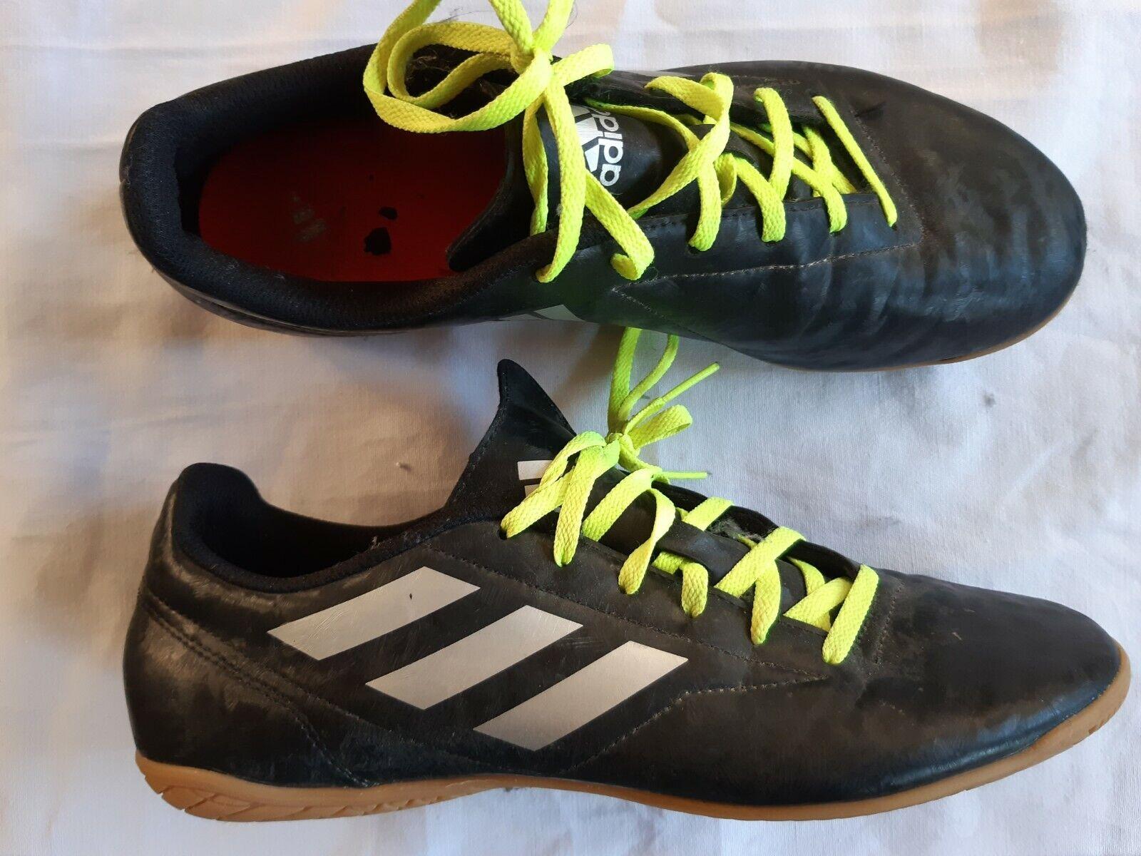 Adidas, Coole Jungenfußballschuhe, 9
