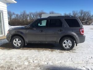 2012 Ford Escape- Low Kilometers PRICE REDUCED