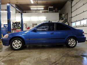 2000 Honda Civic Si 103,000kms certified.