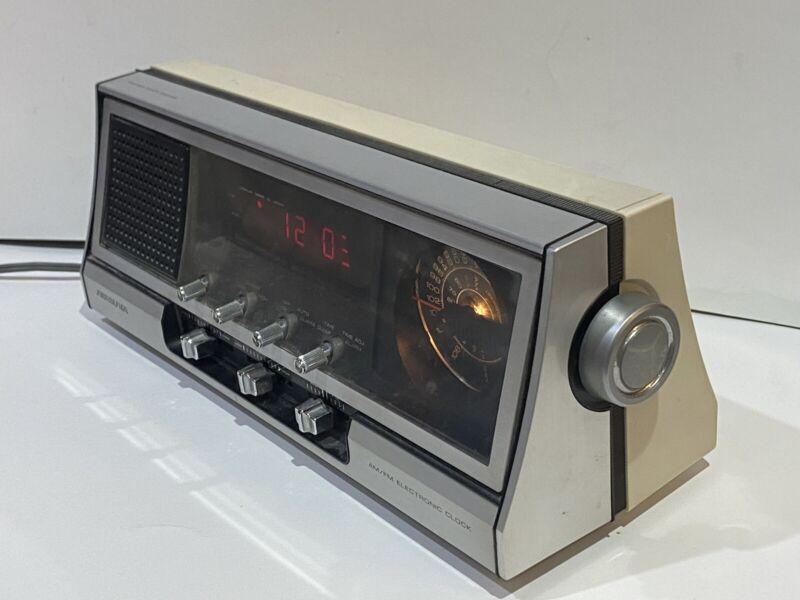 Vintage SOUNDESIGN MODEL 3677 AM/FM Alarm Clock Radio