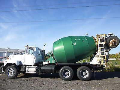 Mack Mixer Truck Mack 686 Model Mack Heavy Duty Concrete Cement Mixer Truck