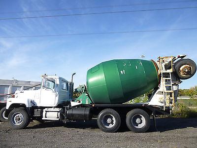 Mack Mixer Truck Mack 686 Model Mack Heavy Duty Concrete Cement Mixer Truck