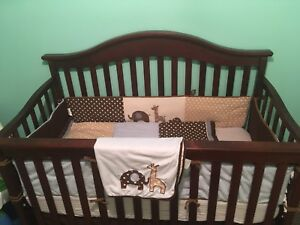 Lambs and Ivy crib bedding  (crib not included)