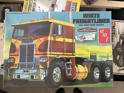 AMT 620 White Freightliner Dual Drive Cabover Tractor model kit 1/25, used for sale  Shipping to Canada