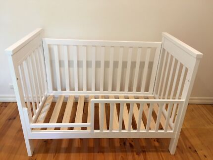 Federation Cot and Lyndhurst Change Table