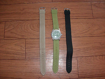 SMITH AND WESSON MILITARY WATCH WITH  THREE WATCH BANDS JAPANESE QUARTZ MOVEMENT