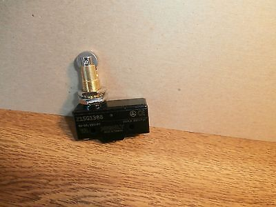 Z15g1308 Hvy Duty Spdt Snap Action Switch Roller Plunger Philmore 30-1308bnew