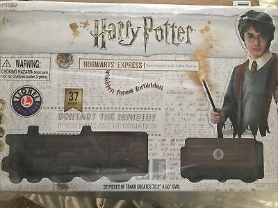 Lionel Harry Potter Hogwarts Express BatteryPowered Model Train Set!! New!!!