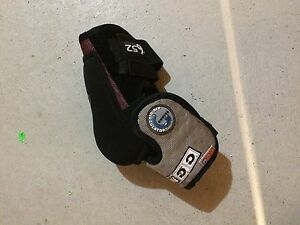 CCM Elbow Pads - Men's Large