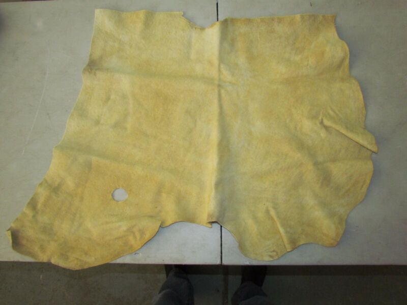 "31"" X 23"" NATIVE AMERICAN LIGHT COLOURED HOME TANNED MOOSE HIDE, SOFT"