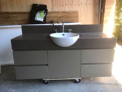 Bathroom Cabinets Gumtree posh bathroom vanity - 750 wall hung 1 draw + open shelf