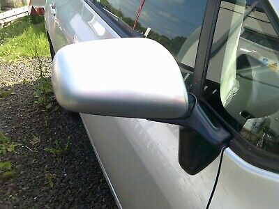 06-12  TOYOTA  AURIS  1.6 PETROL   DRIVERS  SIDE WING  MIRROR   (COMPLETE)